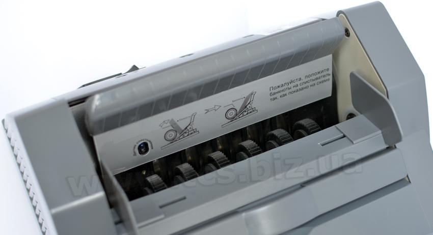Фото DoCash 3040 /  в Киеве, 044-362-27-09 ― Магазин, доставка, купить, цена СУПЕР! DoCach.com.ua/3040uv. DoCash 3040 UV. Цены на DoCash 3040UV. Счетчик банкнот, купюр. Настоящая машинка для счета денег.